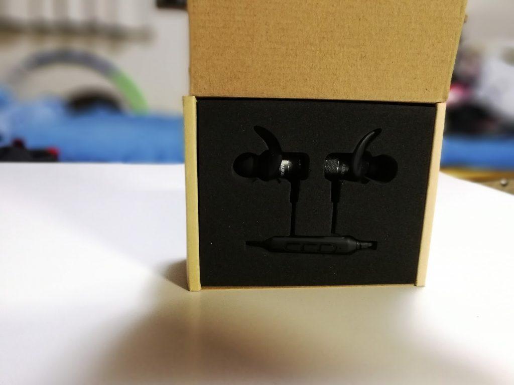 AUKEYのEP-E1の箱開封とレビュー