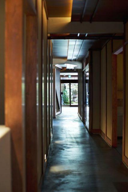 「通り庭」を歩くような体験ができるスターバックス コーヒー 京都二寧坂ヤサカ茶屋店』