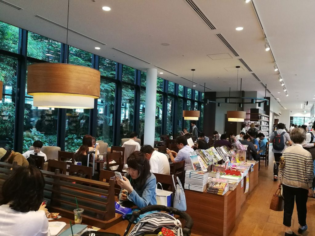 スターバックスTSUTAYA大崎駅前店の2階店内奥