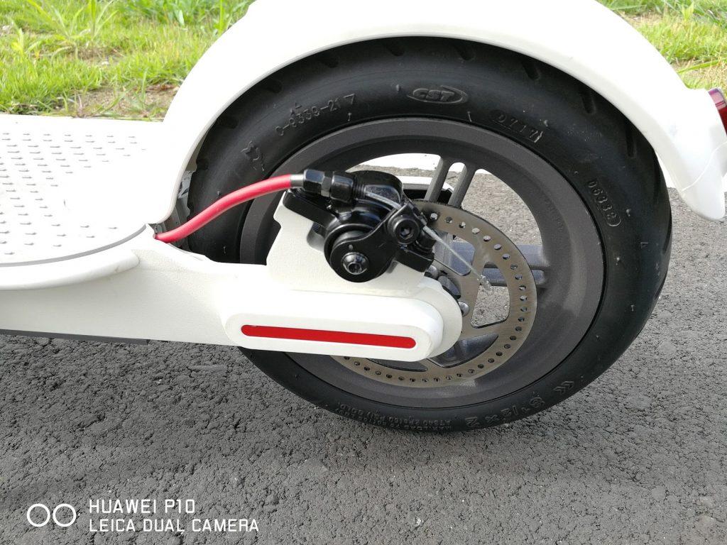 シャオミの電動スクーターm365の後輪