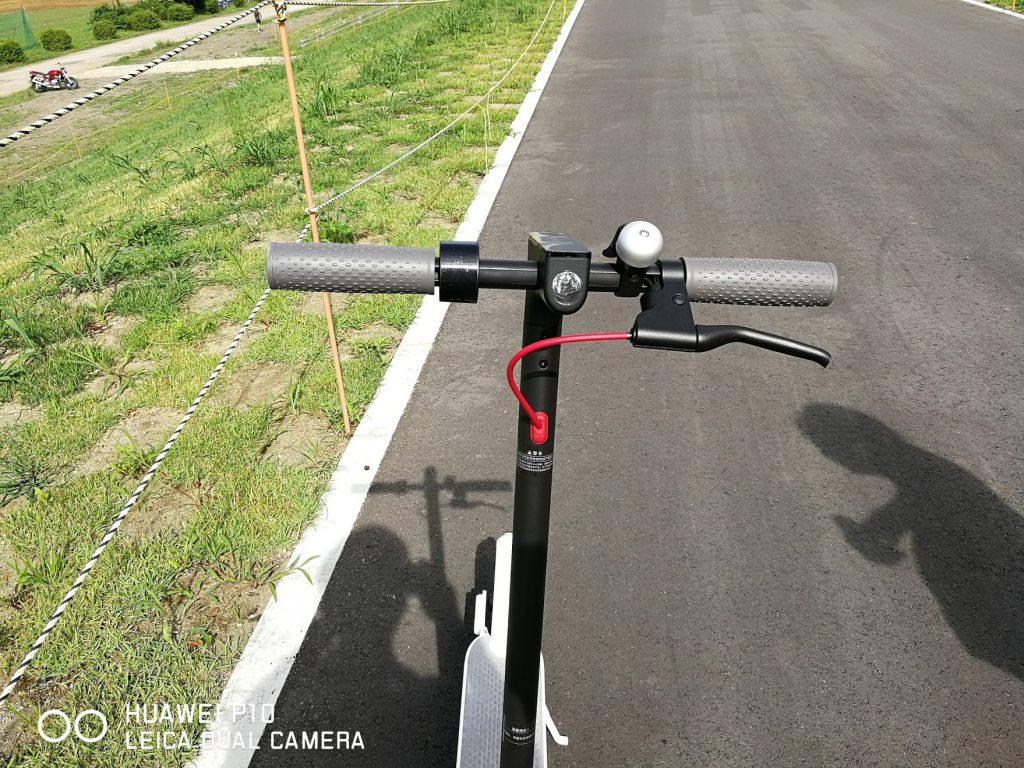 シャオミの電動スクーターm365のライト