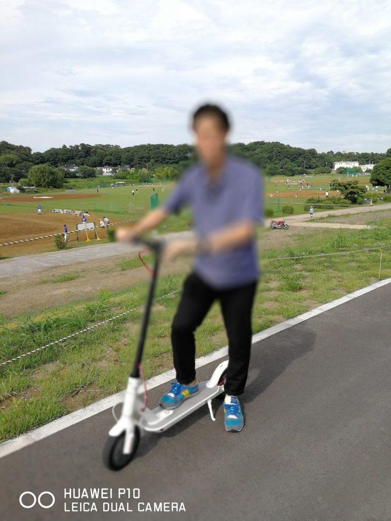シャオミの電動スクーターm365の写真