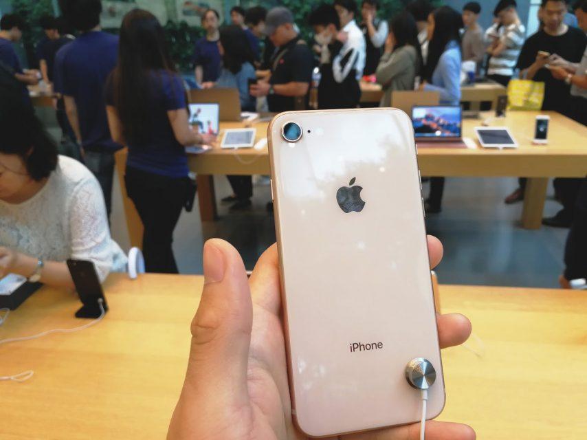 iPhone8_8plusをアップルストア表参道で実機レビュー