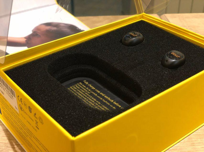 ankerの完全ワイヤレスbluetoothイヤホンliberty+の箱