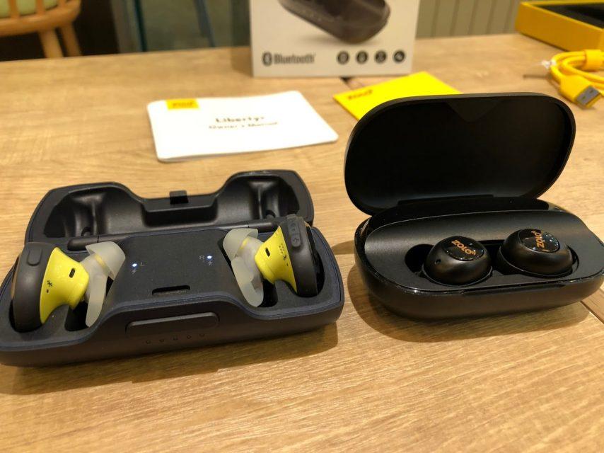 ankerの完全ワイヤレスbluetoothイヤホンliberty+とbose sound free sportsの充電ケースの大きさ比較