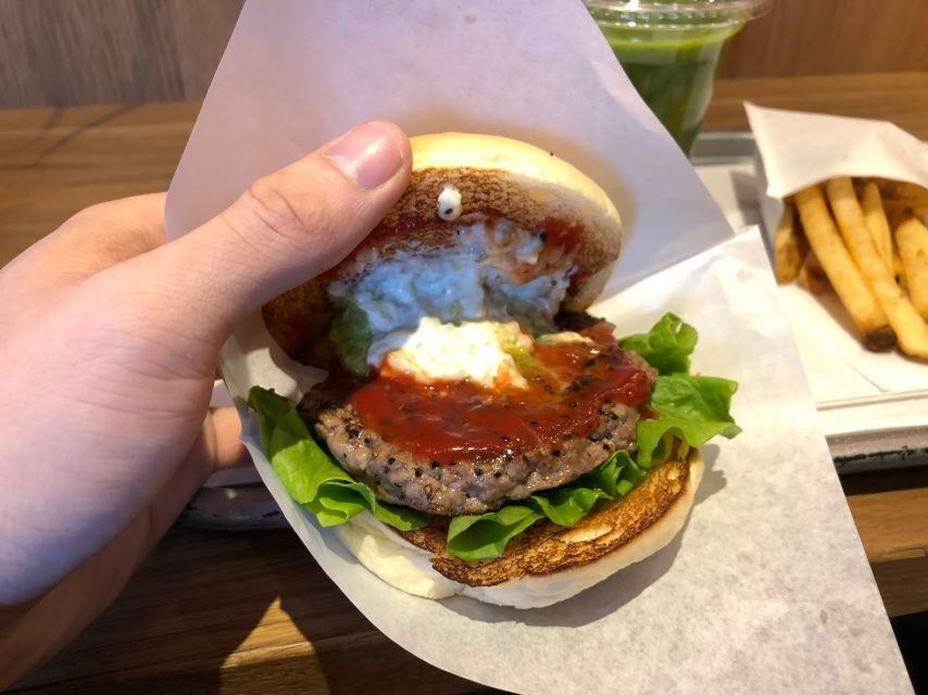 the-3rd-burger-サードバーガーのアボカドわさびバーガーの中身