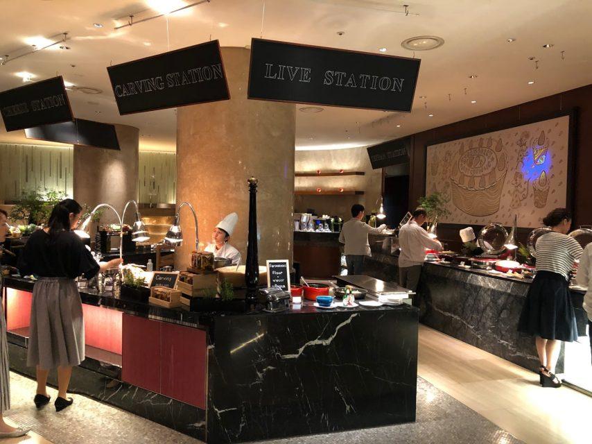 ヒルトン東京マーブルラウンジでデザート&ディナーいちごブッフェのディナーコーナー