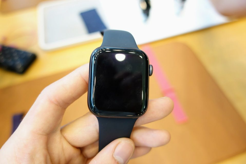 apple_watch_series4の40mmスペースグレイモデルのnewface画面