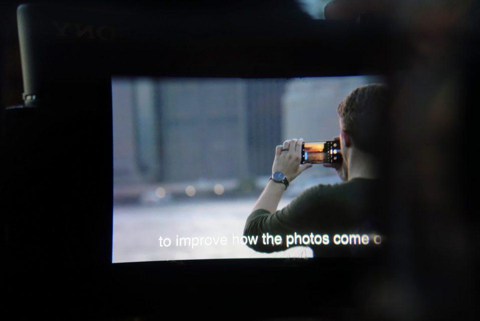 moviemaskの内部のスマートフォンでyoutubeのpixel3の動画を